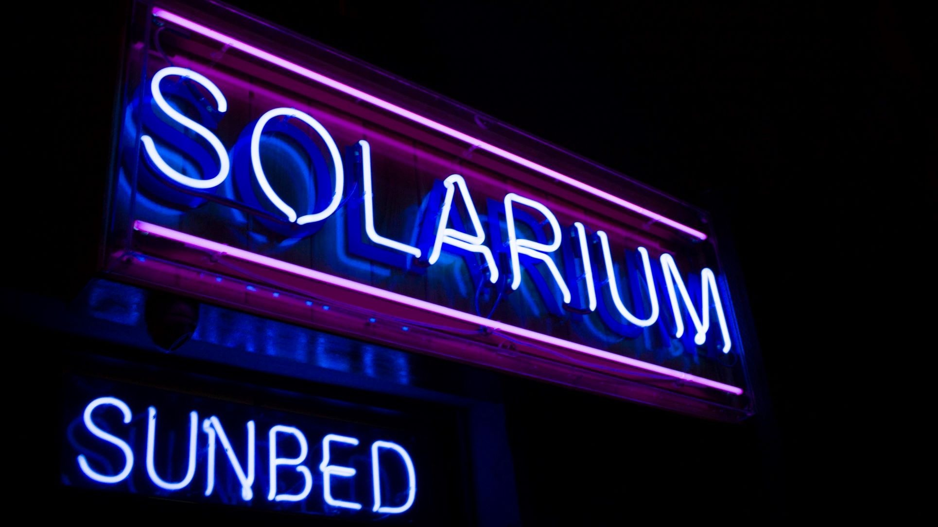 tanning beds sign solarium